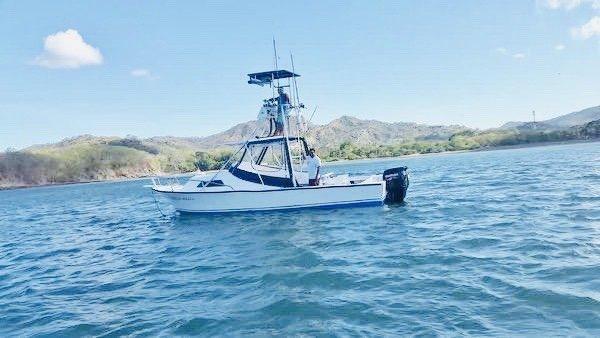32-Feet Charter, Fishing Charter near Riu in Guanacaste