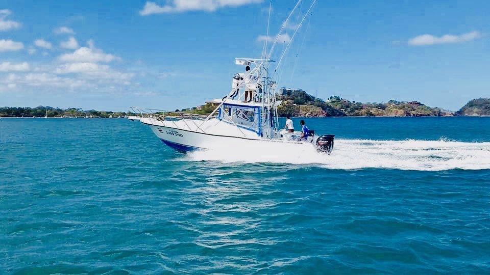 33ft Charter: Sport Fishing in Guanacaste